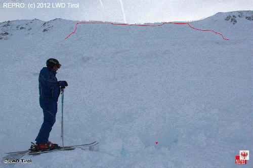Pohled na lavinu zespodu, Rakousko 12.12.2012