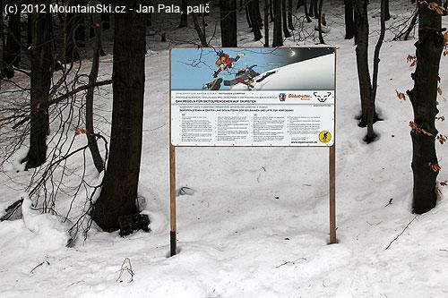 Pravidla pro pohyb na skialpinstických lyžích vareálu Skialp nadHrobem
