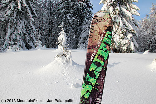 I used wide and 184 cm long skis Movement Sluff – it was a good decision for the amount of powder there