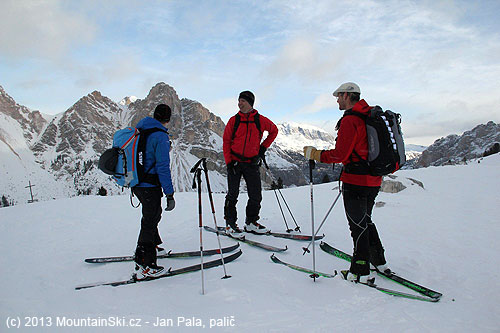 The first group in pass Limo– altitude 2172m