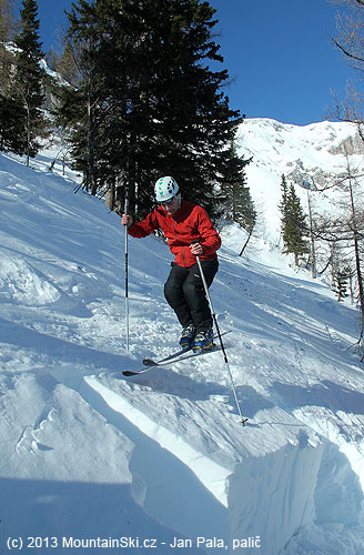 Test of snow layer stability– Rutsch block test