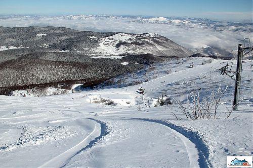 Vše co je potřeba k parádnímu lyžování - prašan a slunce