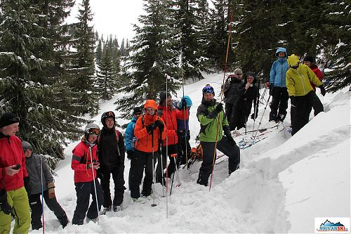 Basic avalanche training using different probes on Jahorina mountains