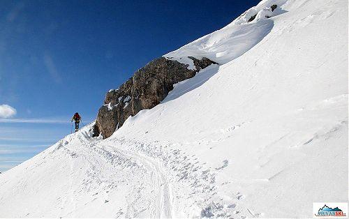 Během výstupu na Zehner Spitze je řada zajímavých míst, jako tato skalka