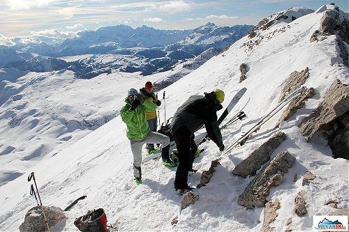 Příprava ke sjezdu je téměř u konce, výška orientačně těsně přes 3000 metrů