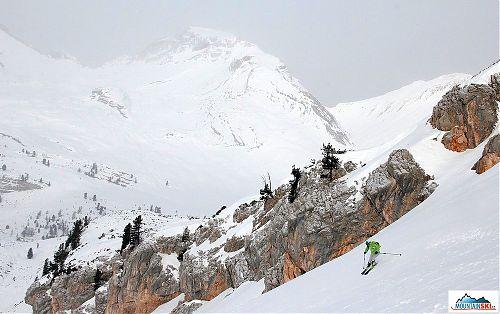 Parádní lyžování na dno údolí