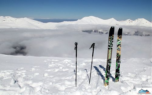 On the ridge of Macedonian mountains with skis Dynafit Huascaran and new freeride binding Dynafit BEAST
