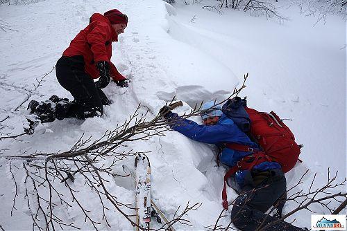 Sněhu a závějí bylo místy pomalu až nad hlavu