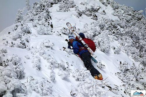 V některých místech jsme se plazili... lyže jsem si dala na batoh