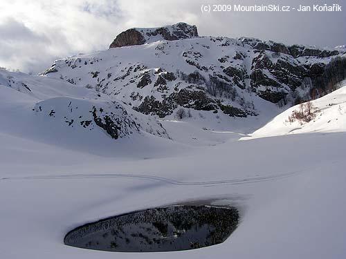 Pleso pod sněhem vpohoří Treskavica