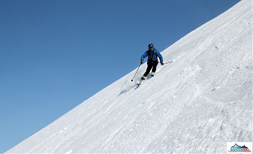 Jiří Kočara skiing from volcano Avachinsky