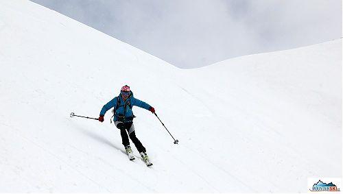 Klára Kočarová Pechová skiing in the area of volcano Bakening