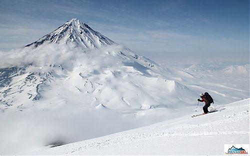 Kateřina Maťátková při sjezdu z vulkánu Avačinskaja