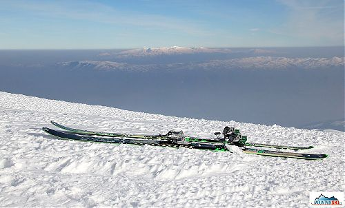 Binding Dynafit BEAST and skis Dynafit Huascaran on Macedonian snow at the altitude approximately 2700 meter