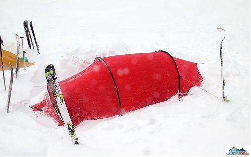 Když sněží vodorovně - Hilleberg Nallo 2 GT na Kamčatce