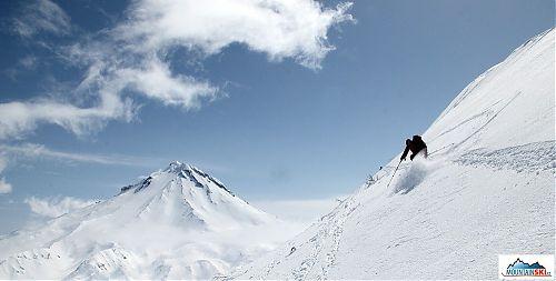 Vivat Kamčatka! Sjezd z vrcholu přes údolí od Viljučinského