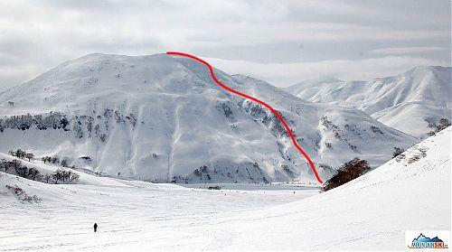 Přibližná trasa sjezdu z posledního kopce, na němž jsme byli v oblasti Viljučinského
