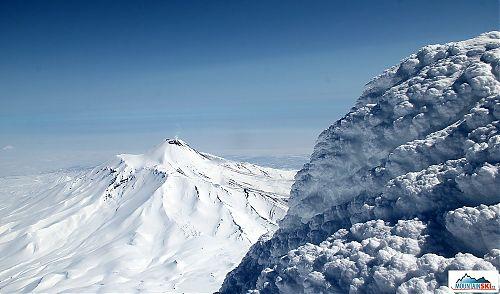 Výhled z vrcholu Korjakského na Avačinskou