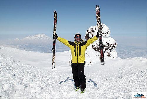 Na vrcholu Korjakského - lyže Dynafit Manaslu a nové botky Dynafit TLT 6