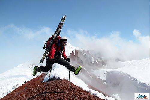 Na vrcholu Avačinské - neskáču si přes kaluže