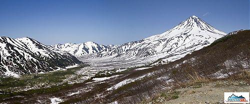 Údolí Paratunky v polovině června 2013