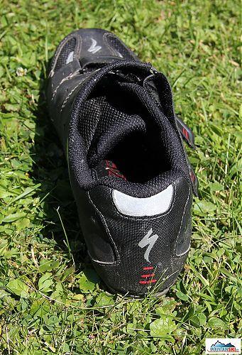 Pata Specialized Sport MTB s náhledem dovnitř boty