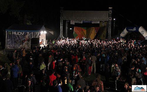 V sobotu večer bylo na koncert skupiny 100 zvířat plno