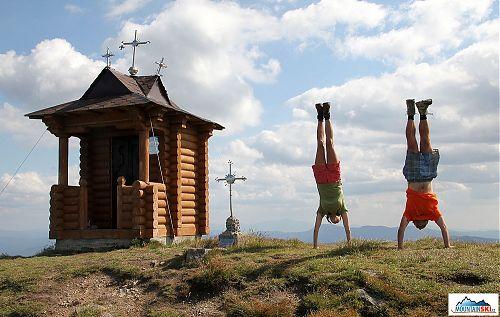 Stojkování na vrcholu Pop Ivana Černohorského