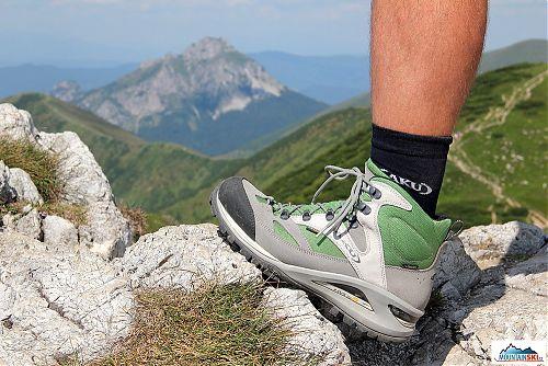 Nové boty AKU Transalpina GTX 342 umožňují velký předozadní rozsah pohybu nohy od kotníku výše - ideální pro rozmanitý a velmi rychle se měnící terén