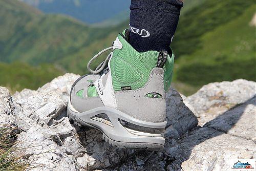 Podrážka Vibram je zárukou spolehlivosti v terénu a na botách je použita řada dalších vychytávek počínaje IMS3 - Internal Midsole systém tlumení, přes AIR8000 a Infinity Air systém, až po očko pro snadnou manipulaci s botou