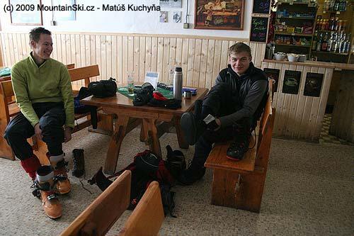 Matúš a Michal sa chystajú na šialený zjazd