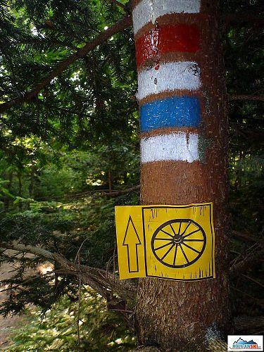 K turistickým značkám dočasně přibyla i jedna cyklisticko-horolezecká