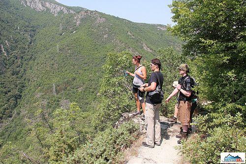 První aklimatizační procházka v Makedonii nad kaňonem Matka