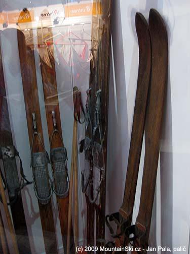 Část muzejních exponátů byla za sklem ukázána na veletrhu