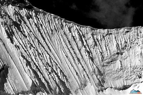 Typické andské sněhové hřebínky