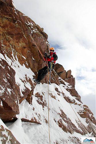 Prusíkování vysoko nad 3000 metrů