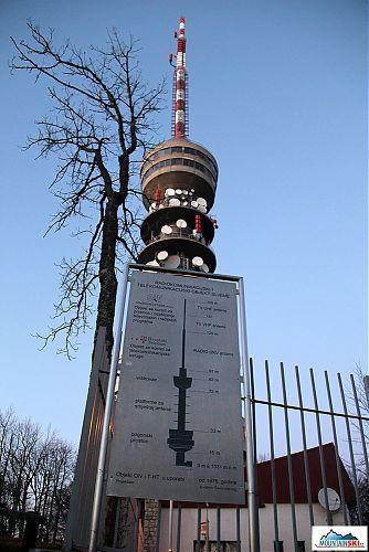 Telekomunikační věž vysoká 169 metrů na Sljeme, výška je impozantní