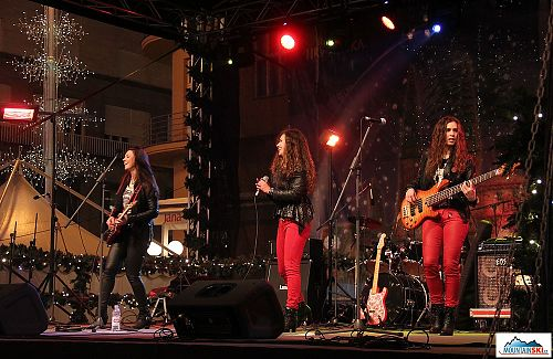 Advent u Zagrebu - ANGELS - All female melodic hard rock band