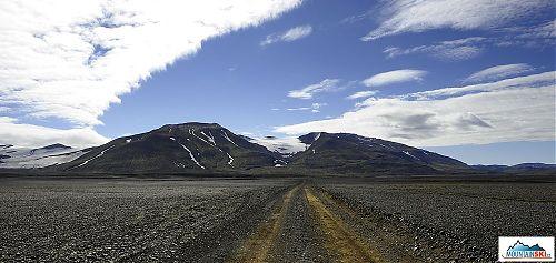 Ledovec Tungnafellsjökull je výborným orientačním bodem na trase