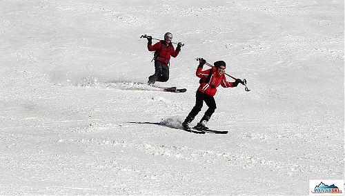 Zkoušíme co a jak s těžištěm při jízdě na klasických a telemarkových lyžích