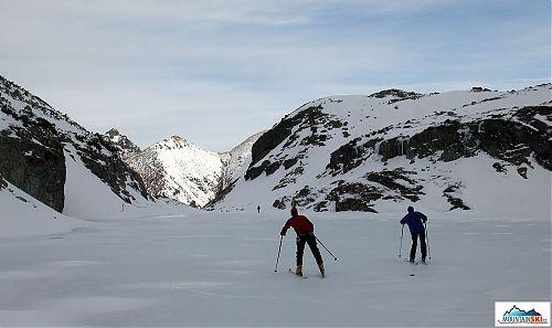 Bruslení na lyžích po ledu