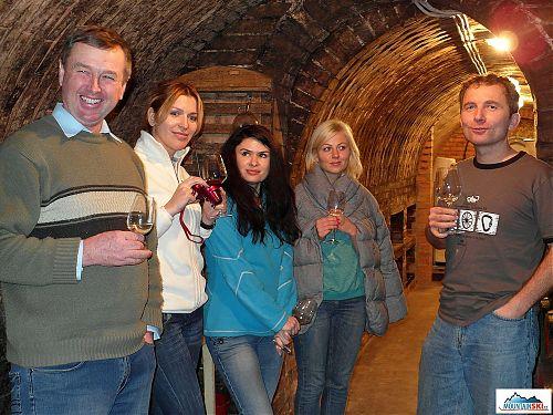 Ochutnáváme nejlepší vína v České republice - Čejkovice!