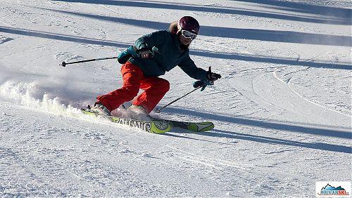 Taťána V. je z Kamčatky zvyklá při teplotách blízkých nule jezdit bez rukavic