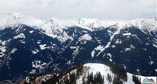 Výhled od Fulsecku v lyžařském středisku Dorfgastein byl z hlediska sněhu v nižších polohách docela smutný