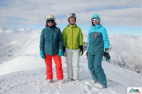 Česko-ruská dámská skupina na vrcholu Kreuzkogelu