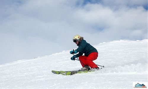 Taťána V. v pěkném postavení lyží na hrany