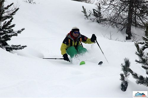 Skier: palič, nerovnosti je třeba odpružit v kolenou, lokalita: Livigno