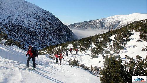V údolích mlha a málo sněhu, nahoře slunce a sněhu přiměřeně - co více si přát?