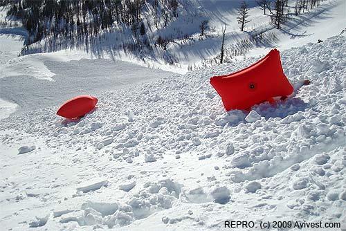 Vaky Avi Vest acna povrchu laviny, stržení pod sněhem