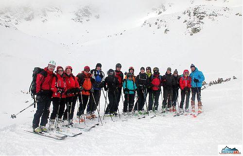 Účastníci základního skialpinistického kurzu Hedvábné stezky